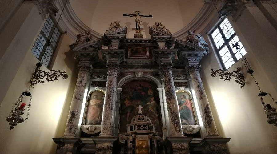 altare chiesa san Giovanni